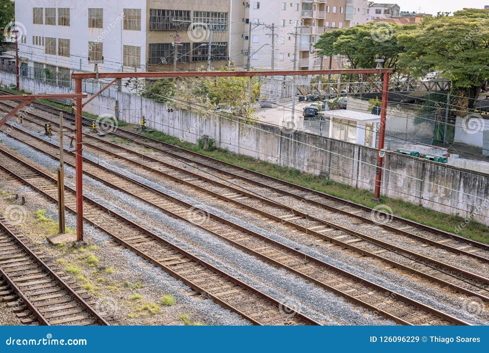 U-Bahnschienen von são Paulo ausführlich