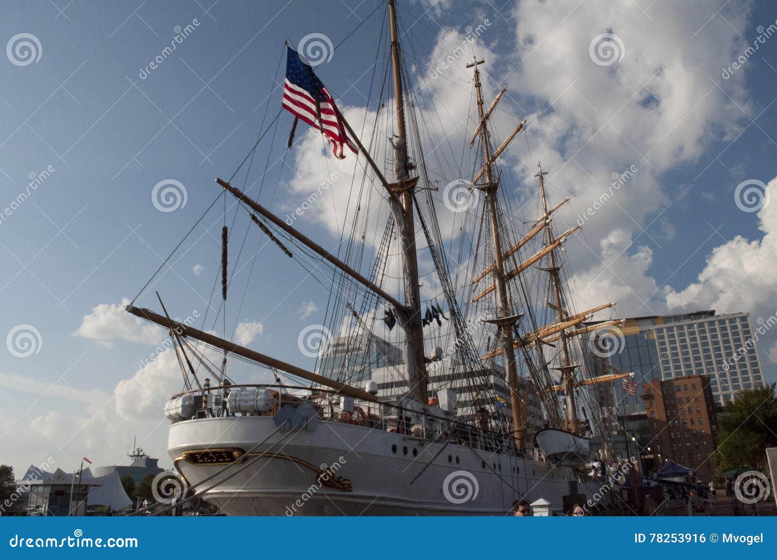 U S το ψηλό u σκαφών φρουράς s αε
