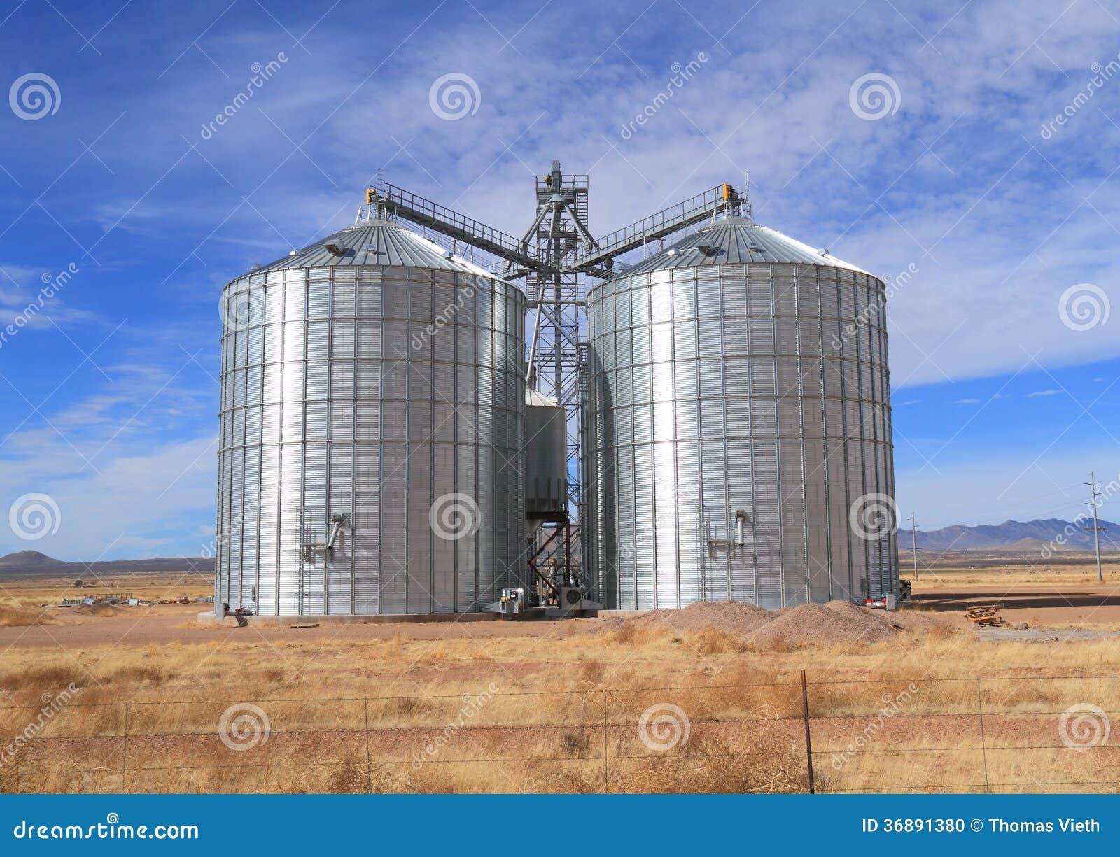 Download U.S.A., Arizona/contea Di Cochise: Nuovo Silos Di Grano D'acciaio Fotografia Stock - Immagine di arizona, struttura: 36891380