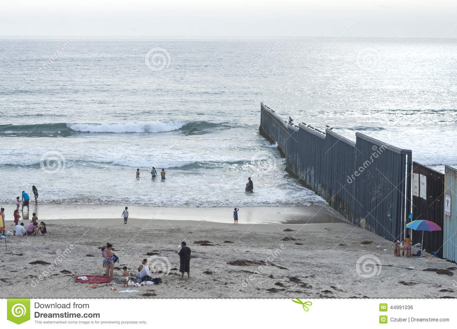 U S Mexiko Grenzzaun Redaktionelles Foto Bild Von Erholung 44991036