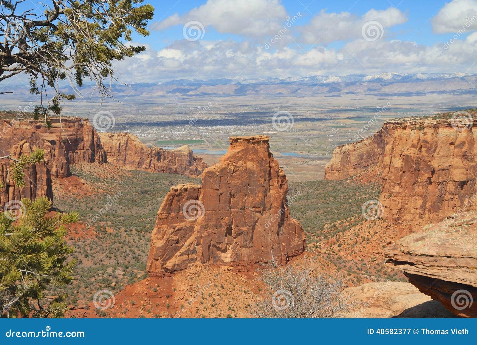 U.S.A.: Roccia di indipendenza in monumento nazionale di CO