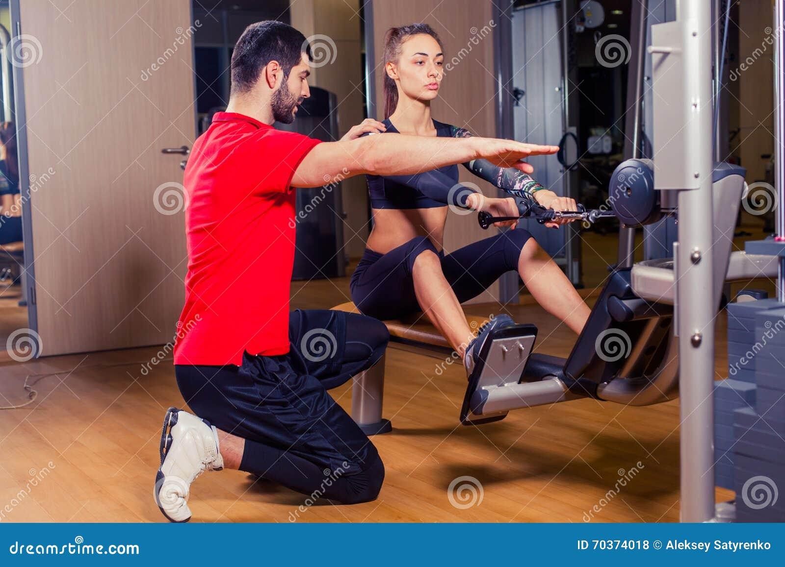 学生可以在健身房里做什么工作呀.我什么都不会呀.