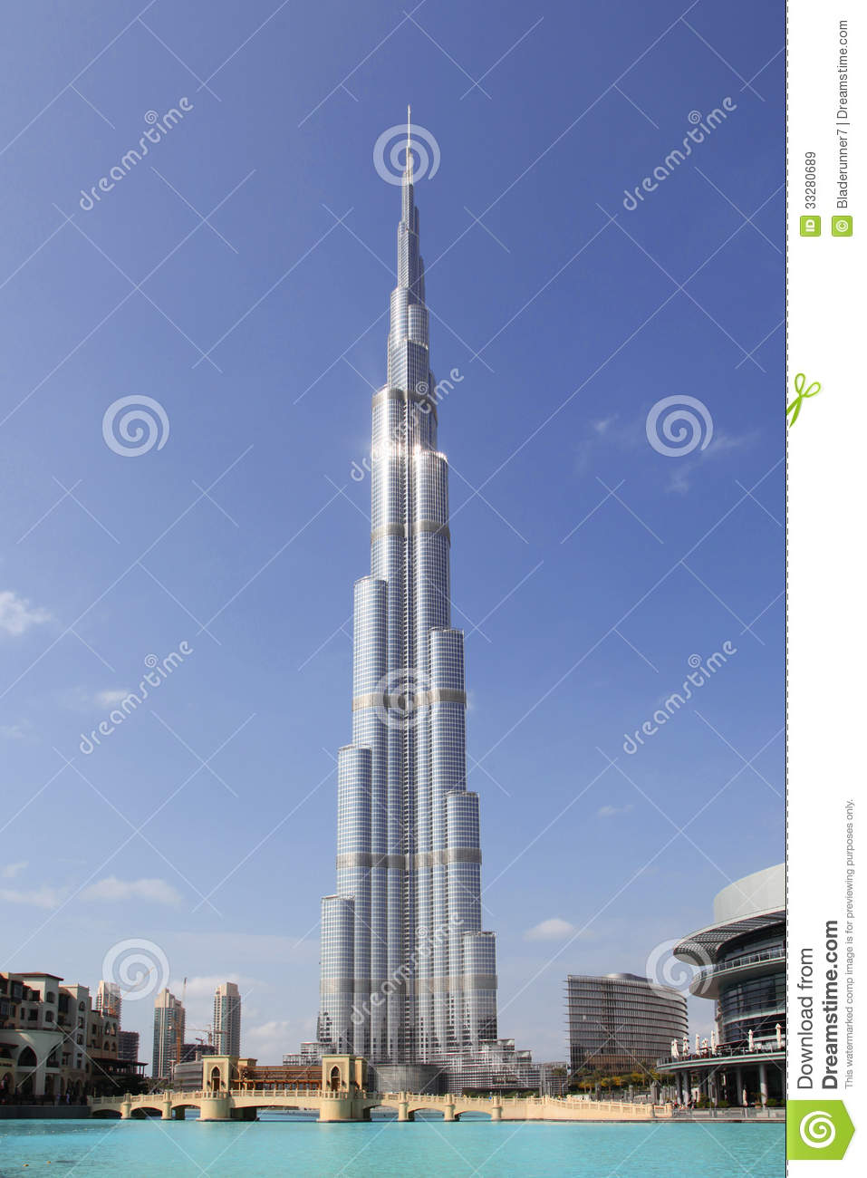 Vertical photo of the tallest building in the world - Burj Khalifa    Uae Tallest Building In The World
