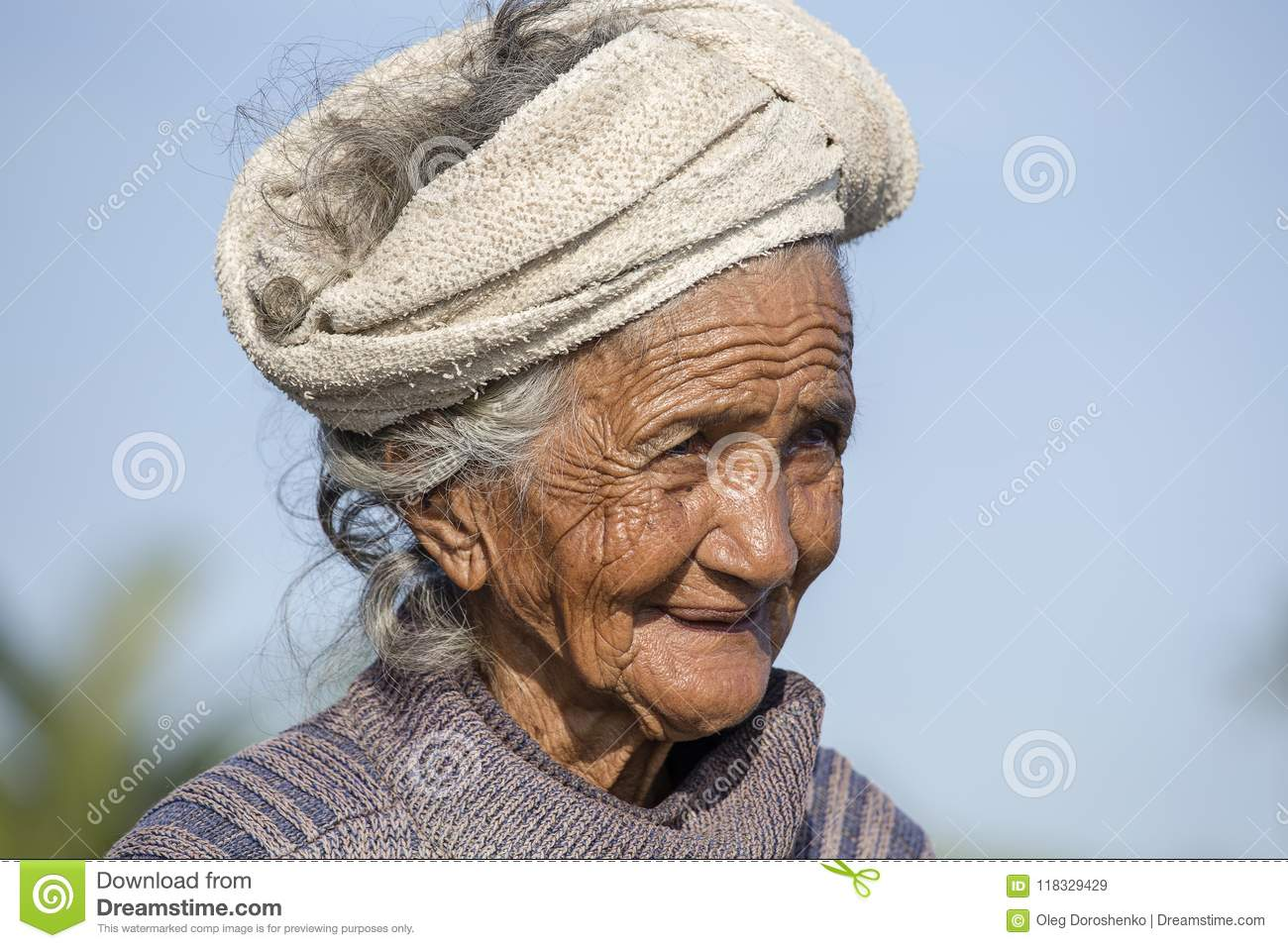 Image of: Sad Ubud Bali Indonesia March 19 2015 Portrait Old Poor Woman To Bali Island Inhabitants Of Bali Are Kind And Friendly Even In Old Age Dreamstimecom Portrait Old Poor Woman To Bali Island Inhabitants Of Bali Are Kind