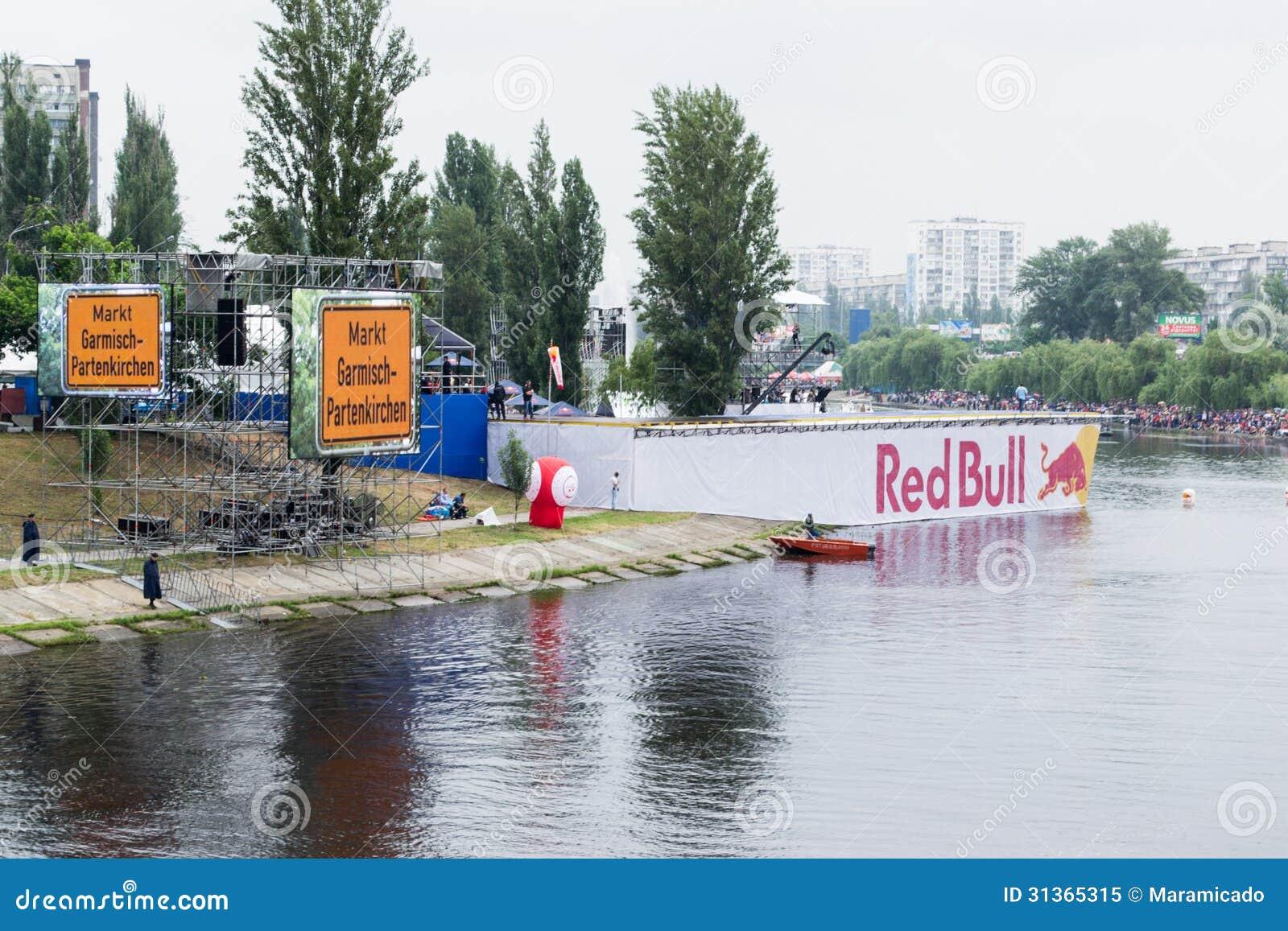 UCRANIA, KIEV 2 de junio Red Bull Flugtag