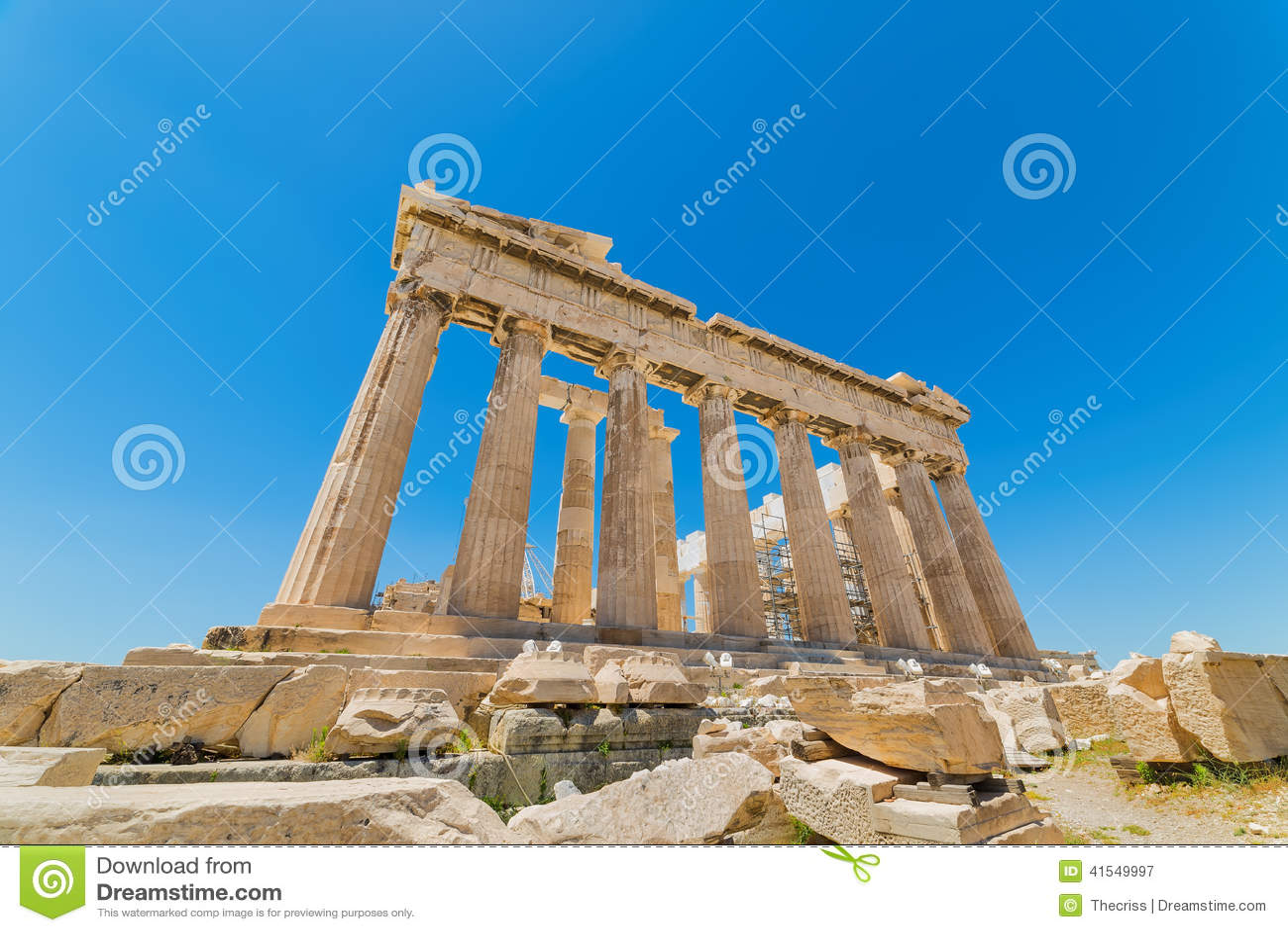 Udde Sounion Platsen av fördärvar av en gammalgrekiskatempel av Poseidon, guden av havet i klassisk mytologi