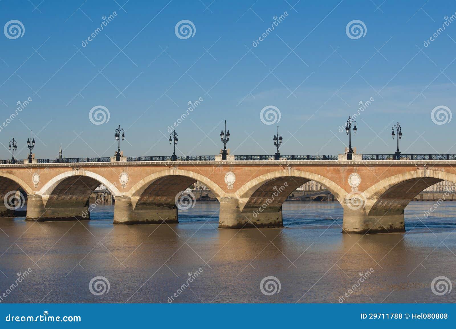 Pont du Pierre, Bordéus