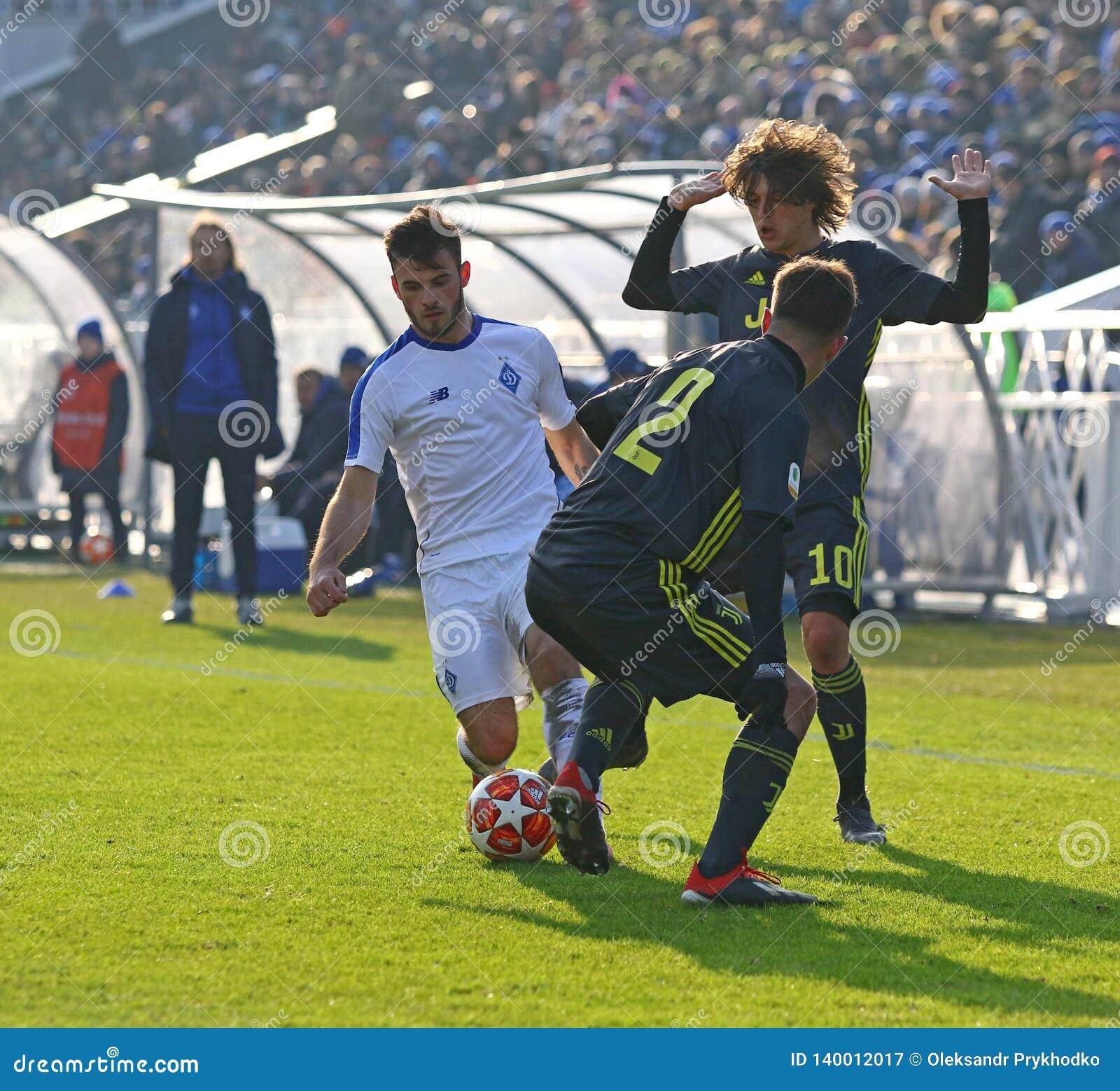 Cristiano Ronaldo ratează întâlnirea cu Mircea Lucescu ... |Dinamo Kiev- Juventus