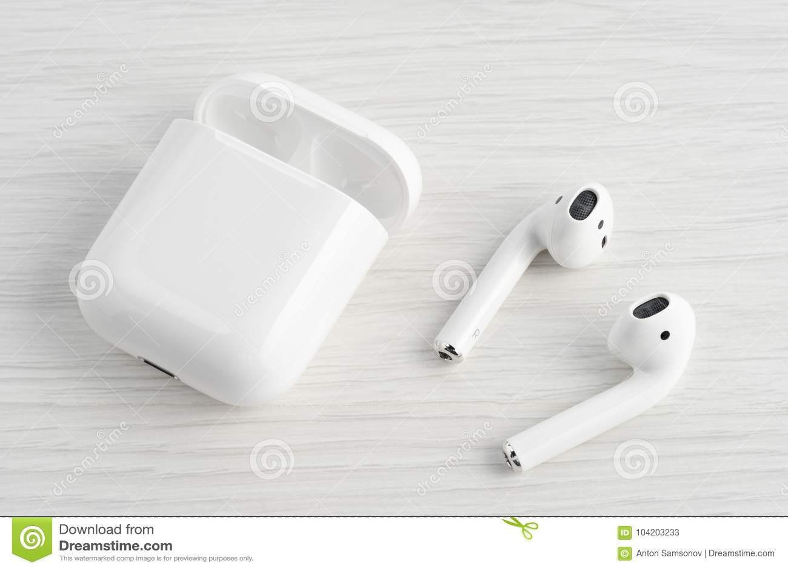 b75afea8b47 AirPods Wireless Bluetooth Headphones Editorial Stock Photo - Image ...