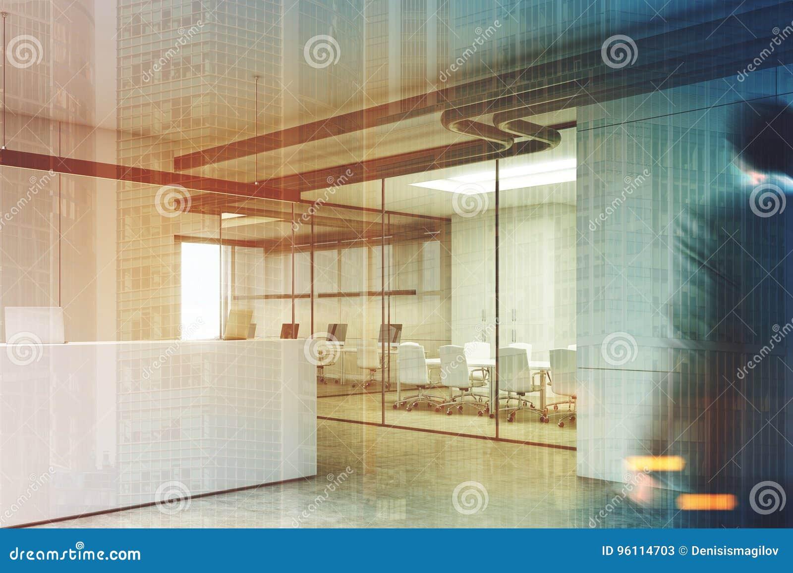 Reception Ufficio Bianco : Ufficio bianco con una reception angolo uomo illustrazione di