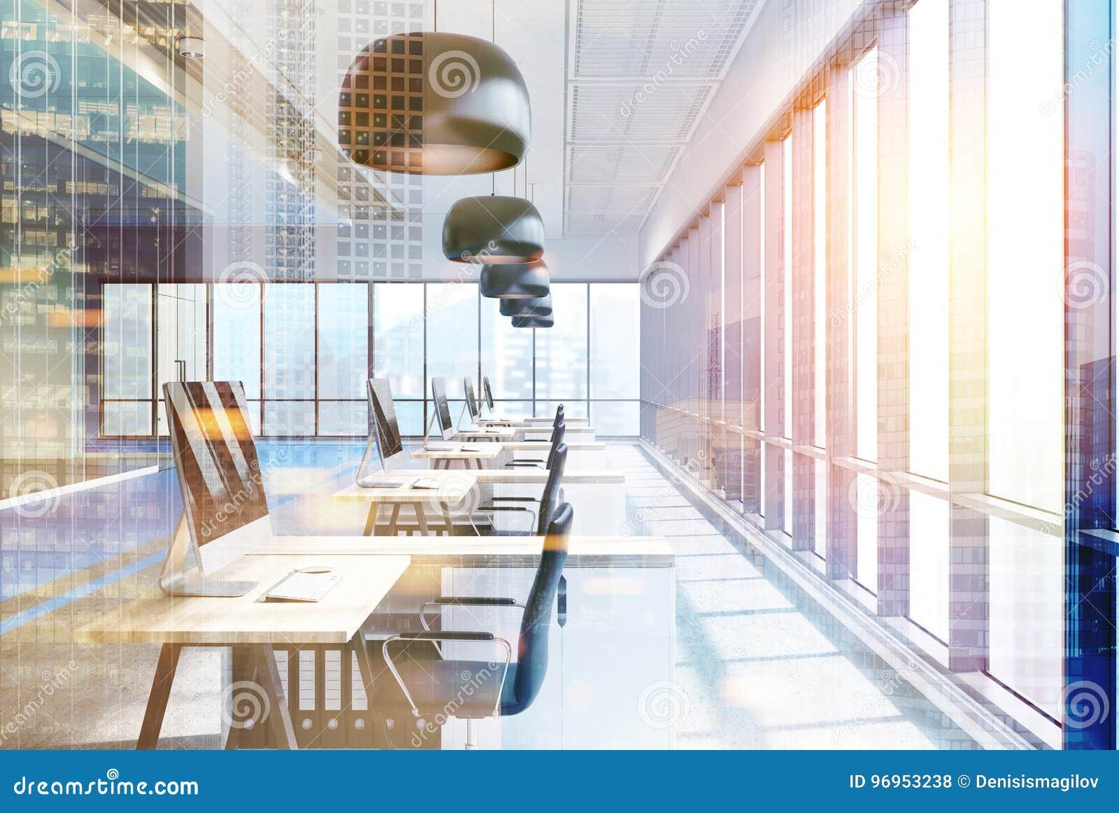 Scrivania Ufficio Blu : Ufficio blu con le lampade rotonde nere tavole tonificate