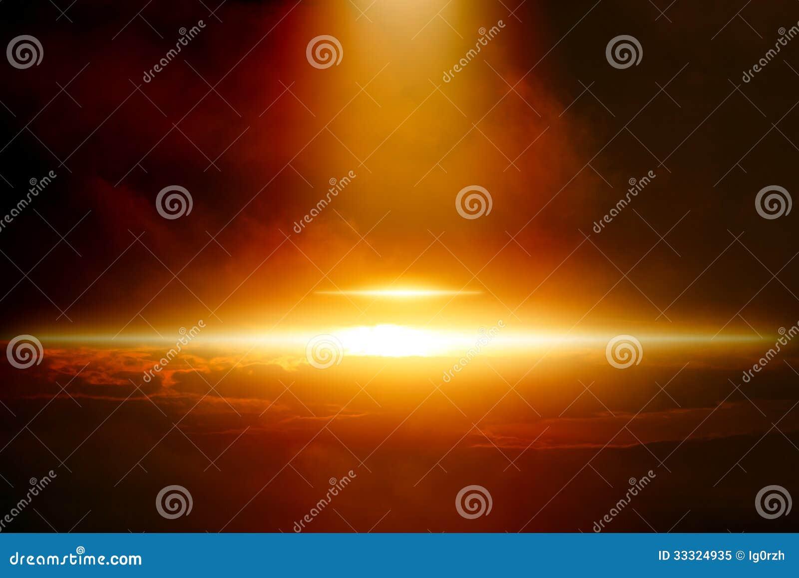 UFO en ciel foncé
