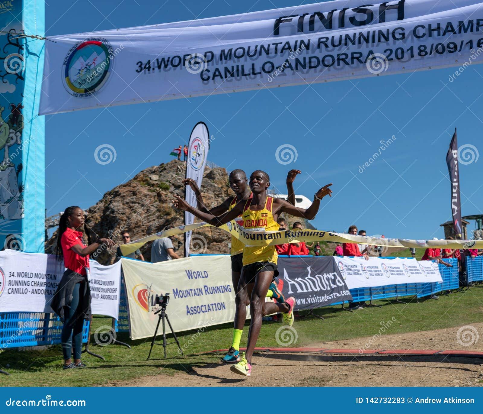 Uganda gana la carrera de funcionamiento de campeonatos de la montaña del mundo