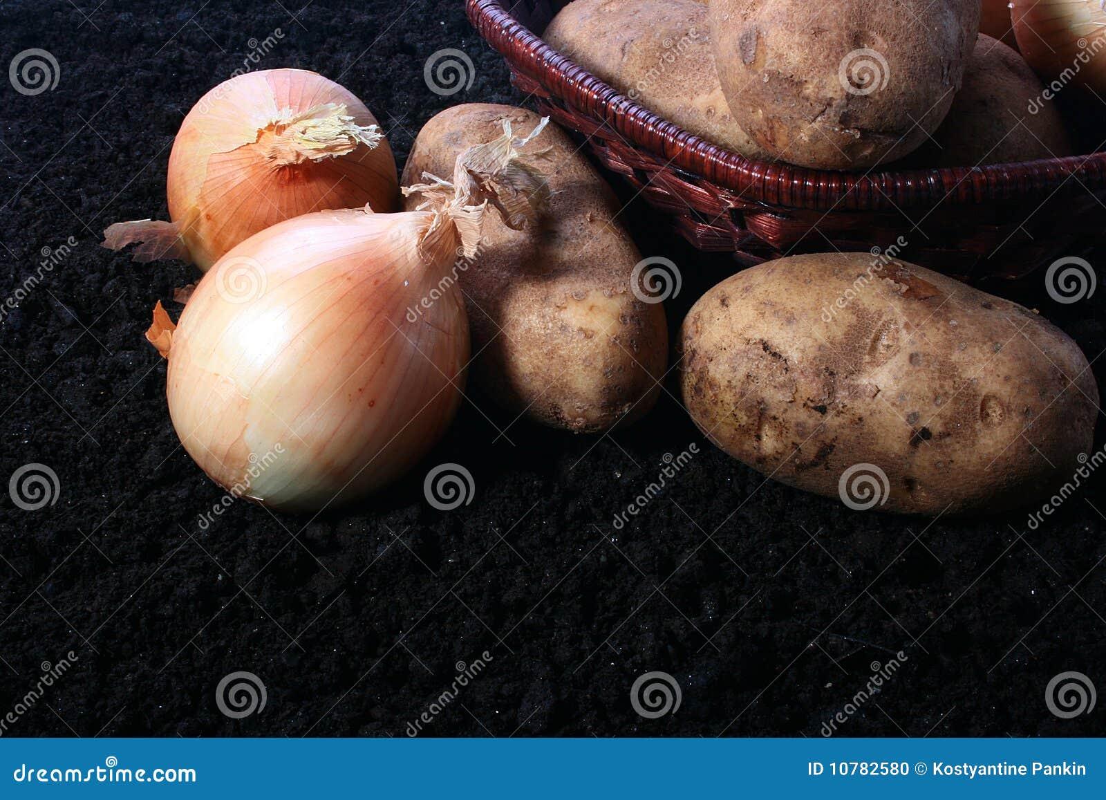 Uien en aardappel