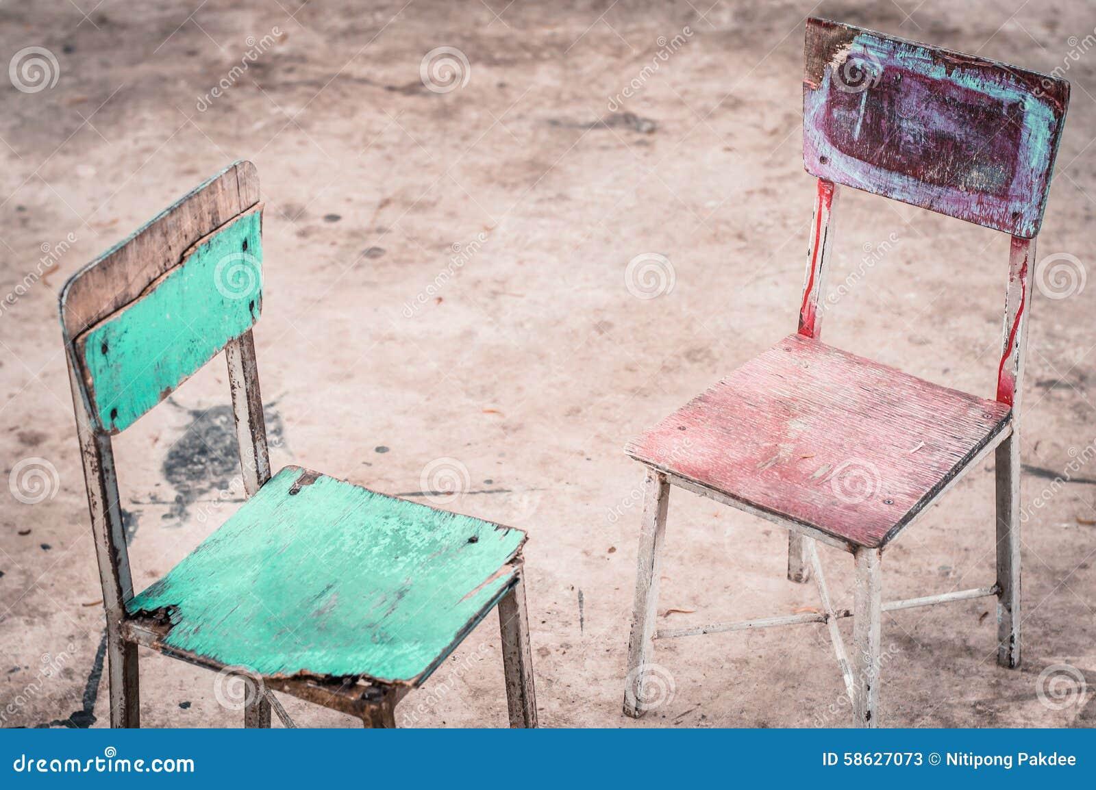 Uitstekende houten stoel voor kinderen stock afbeelding afbeelding