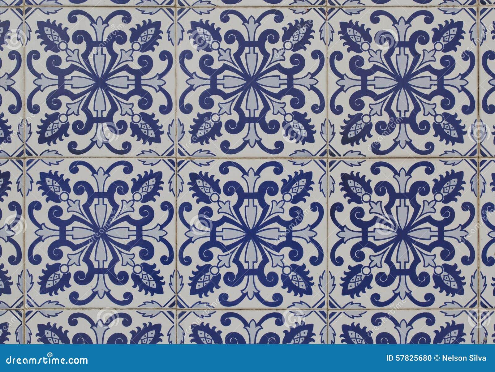 Keramische Portugese Tegels : Uitstekende keramische tegel stock foto afbeelding bestaande uit