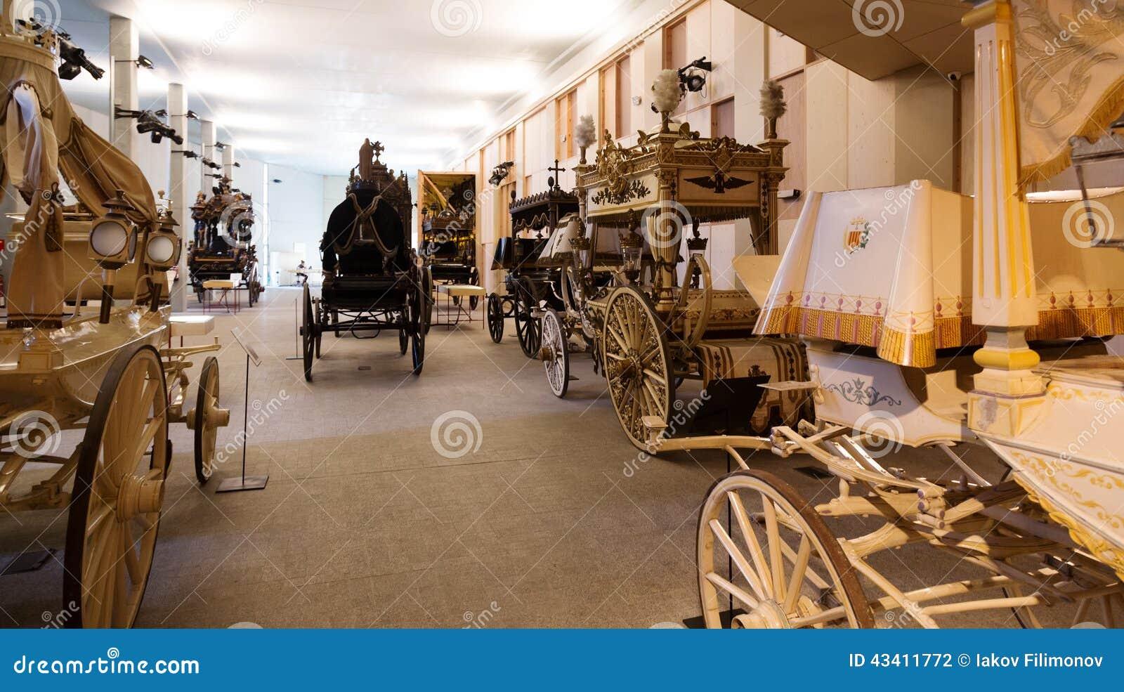 Uitstekende lijkwagens in Catafalque Museum in Barcelona