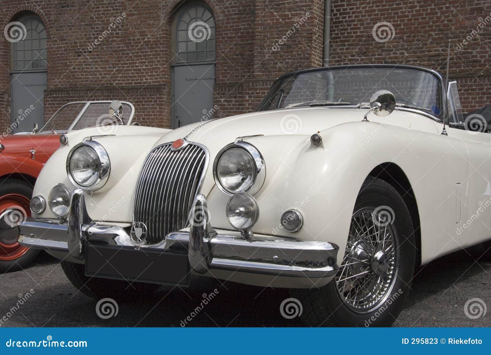 Uitstekende Witte Convertibele Jaguar -