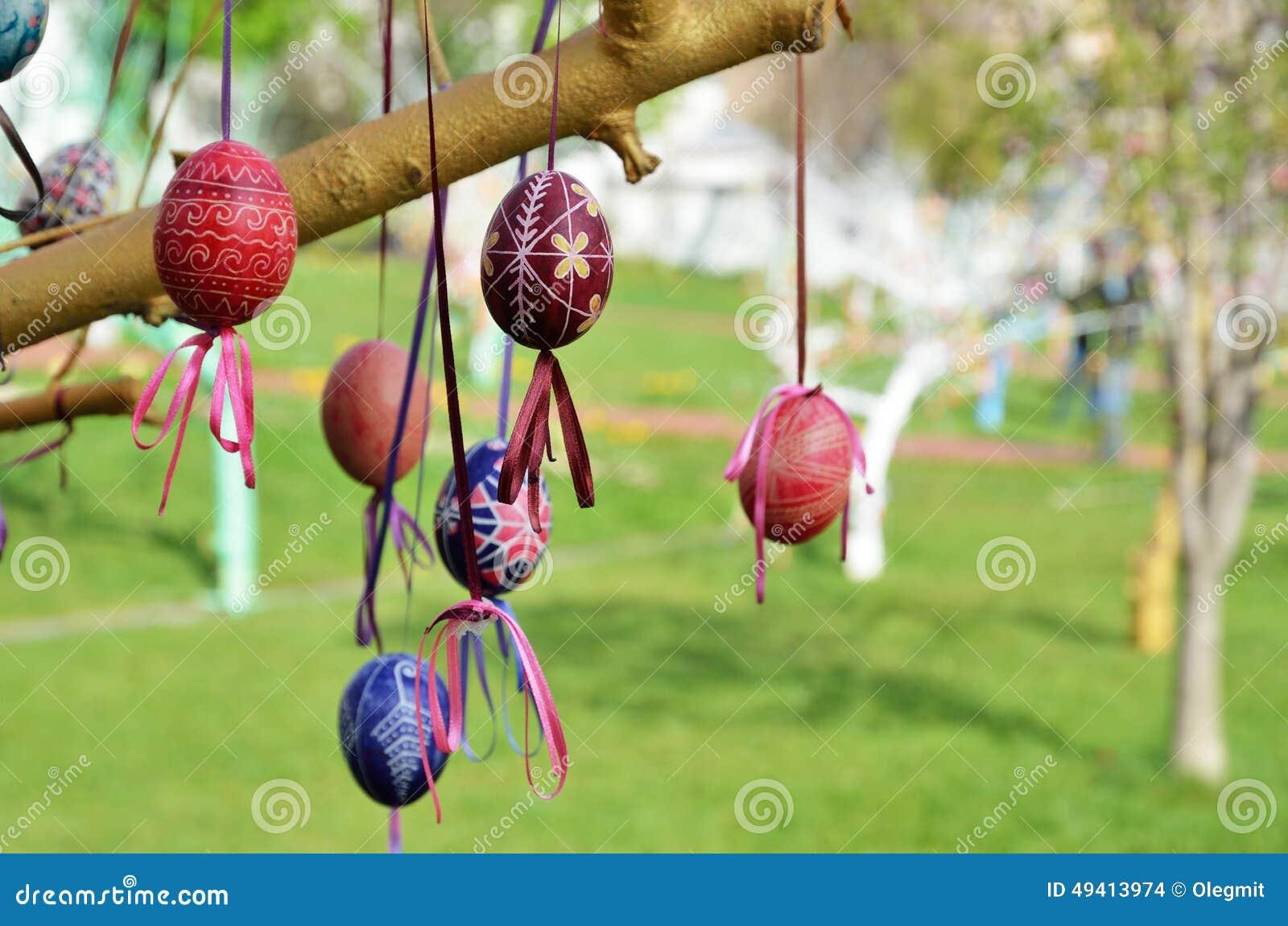 Download Ukrainischer Pysankas Im Frühjahr Garten Stockfoto - Bild von feiertag, traditionen: 49413974