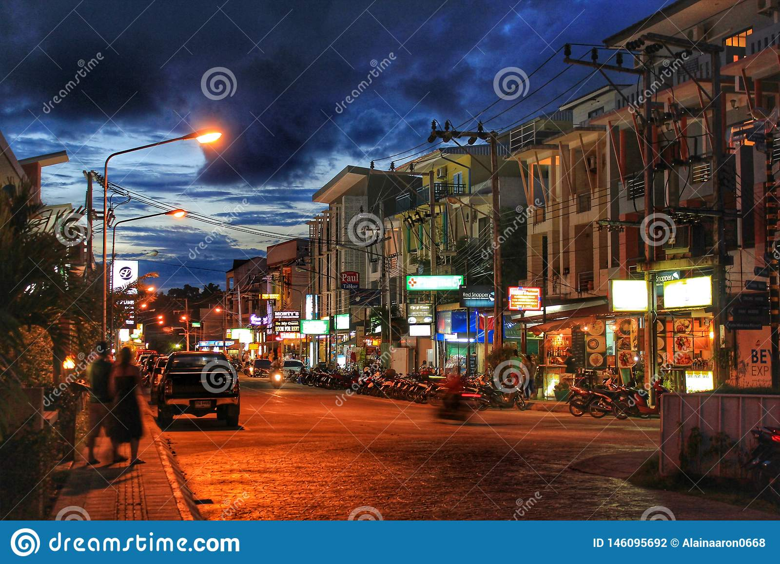 Ulicy Phuket przy noc?