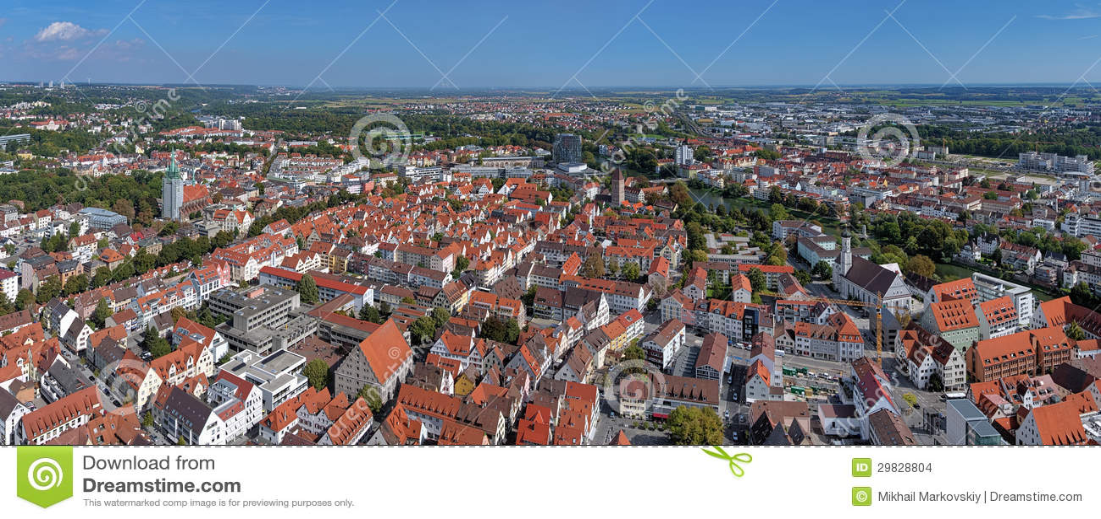 Panorama de Ulm e de Neu-Ulm da igreja de Ulm, Alemanha