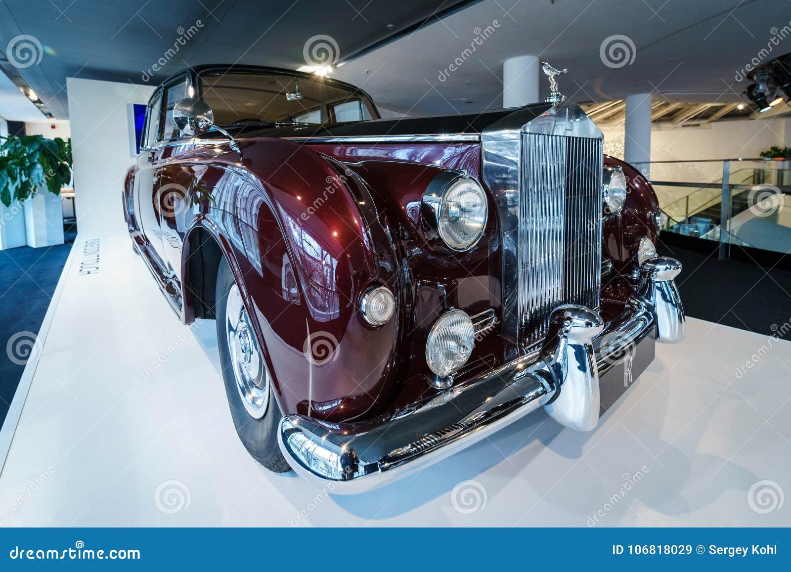 Ultra-exclusieve limousine met vier deuren Rolls-Royce Phantom V, 1961