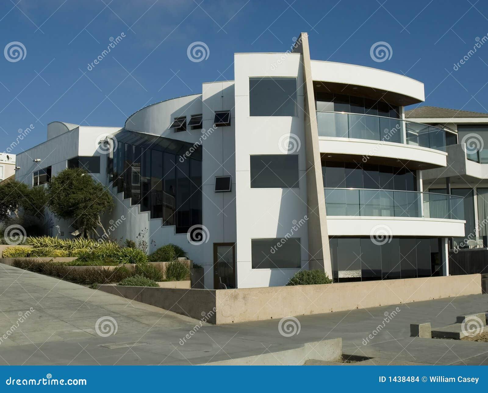 Ultra modern wit huis stock foto afbeelding bestaande uit middellandse 1438484 - Foto modern huis ...