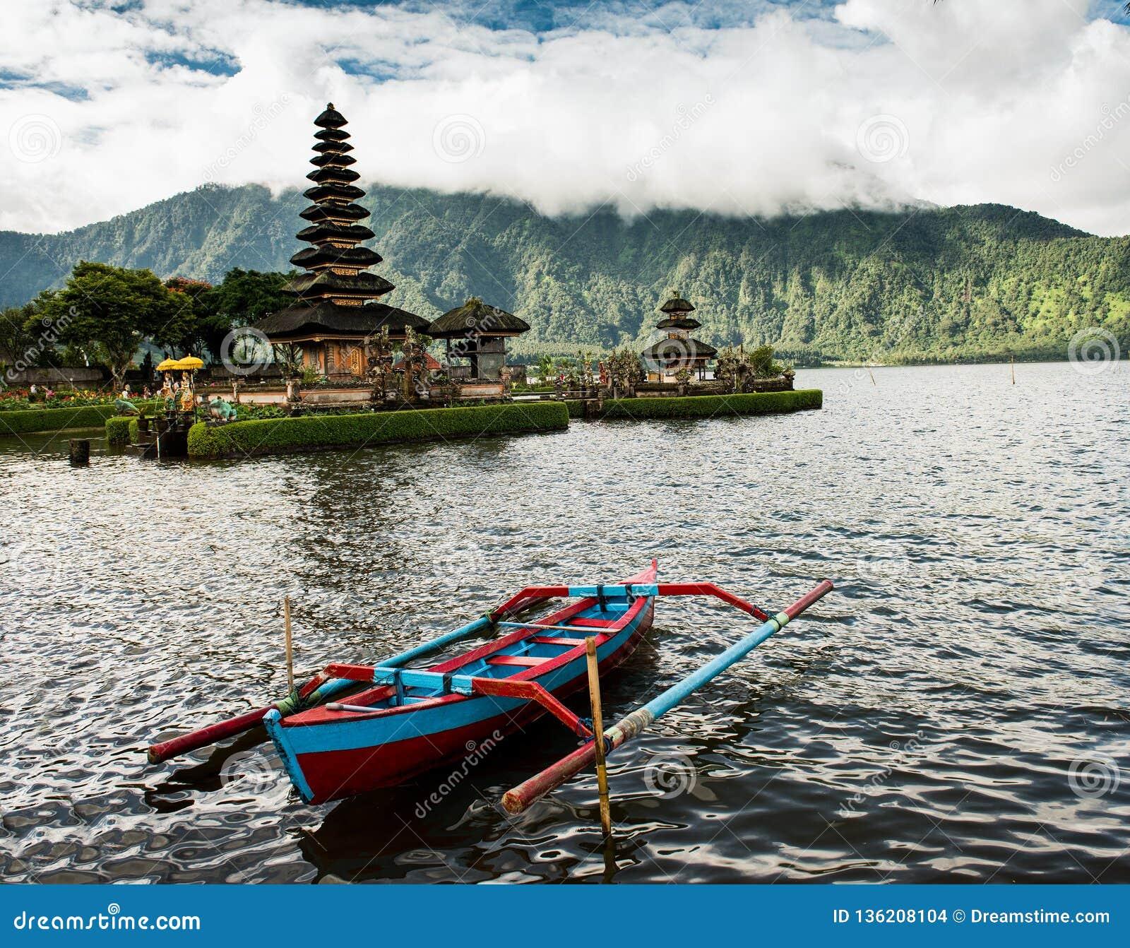 Ulun Danu Beratan, Bali Indonesia