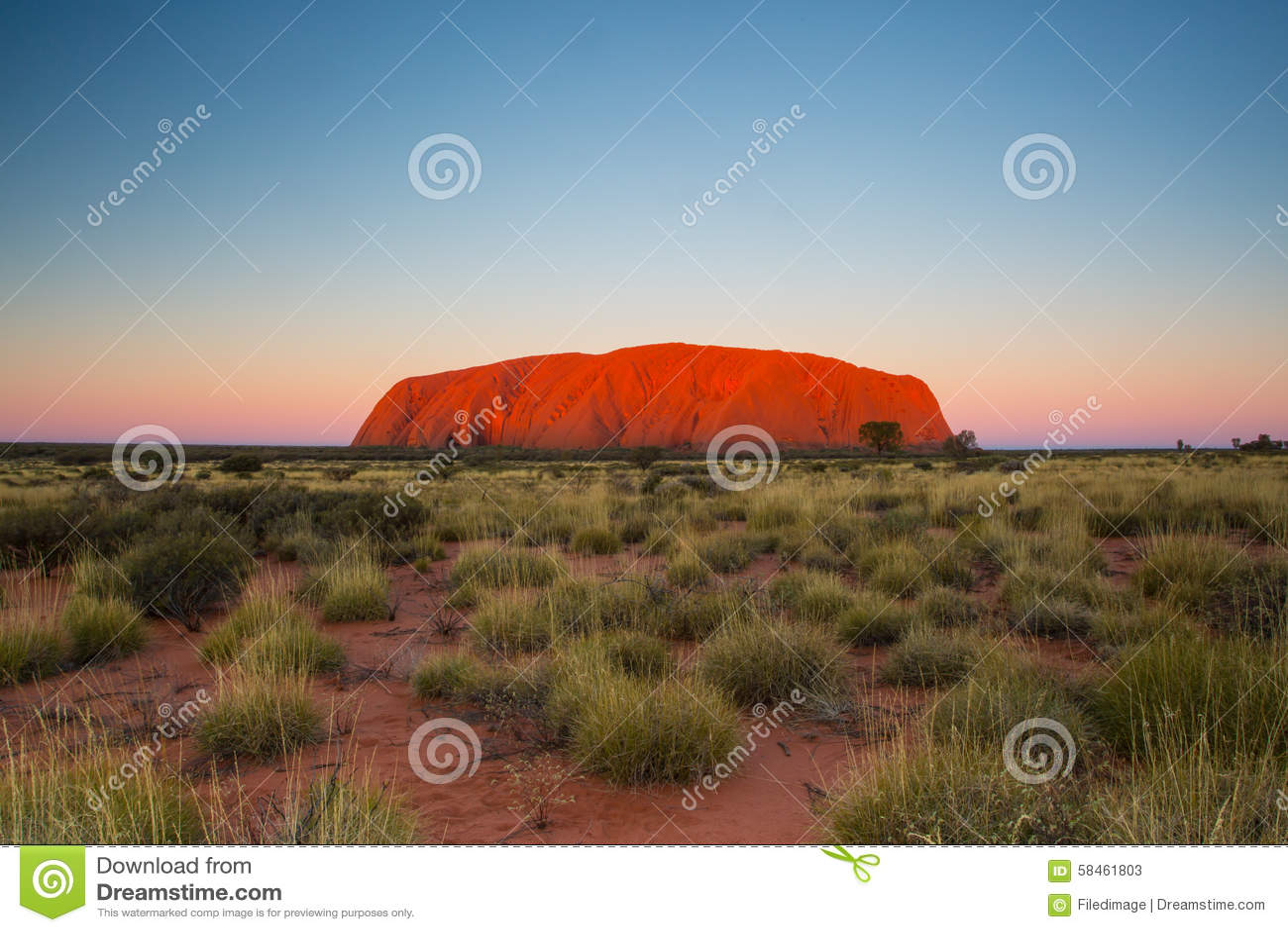 Uluru на заходе солнца