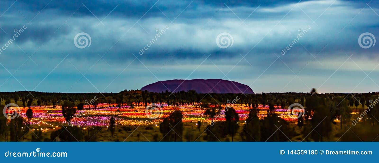 Uluru par nuit