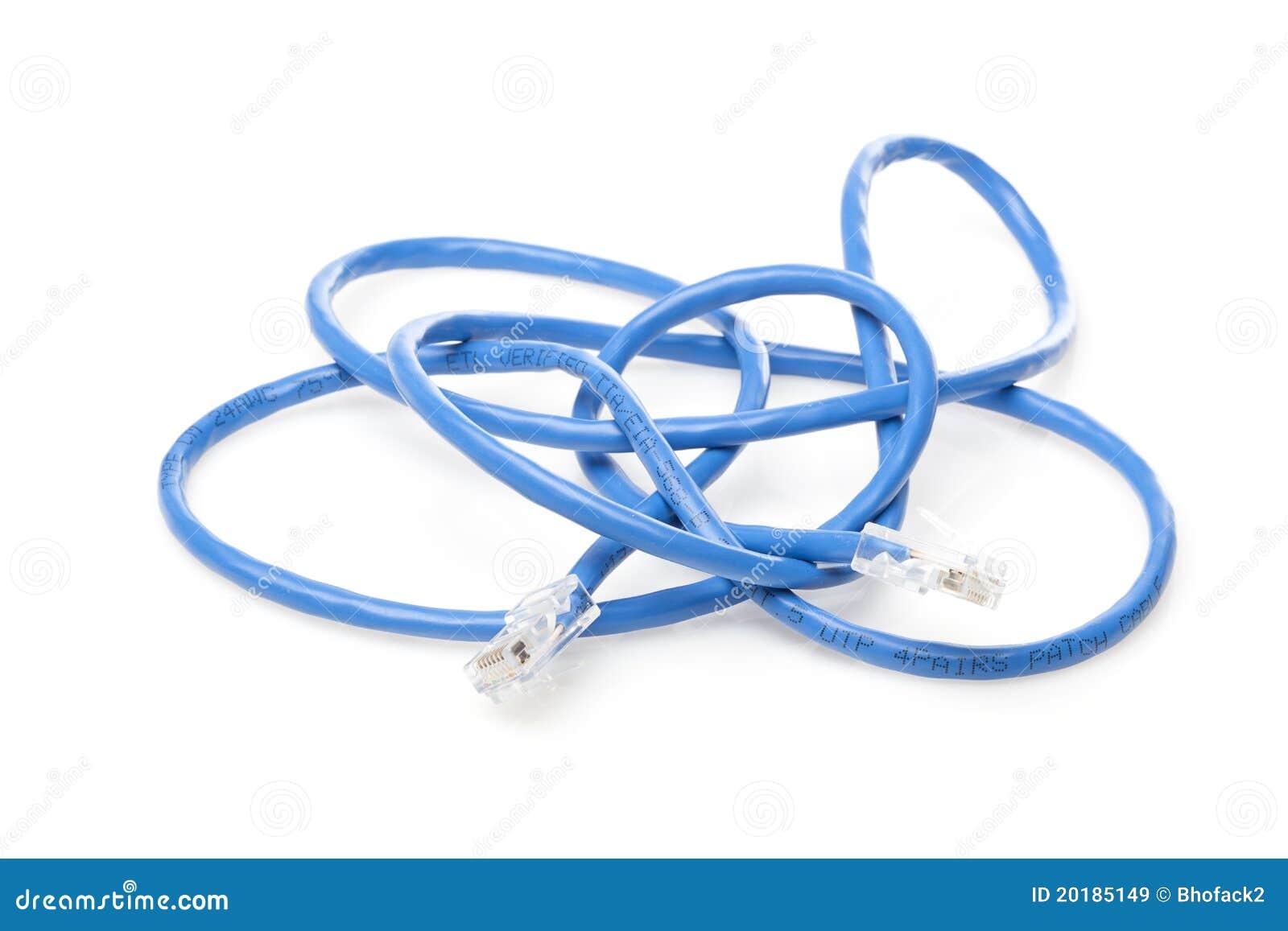 Um cabo de Ethernet azul