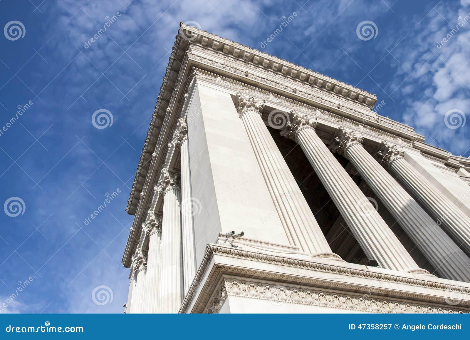 Um detalhe do monumento gigantesco do altar da pátria (vitoriano) a Roma (Itália)