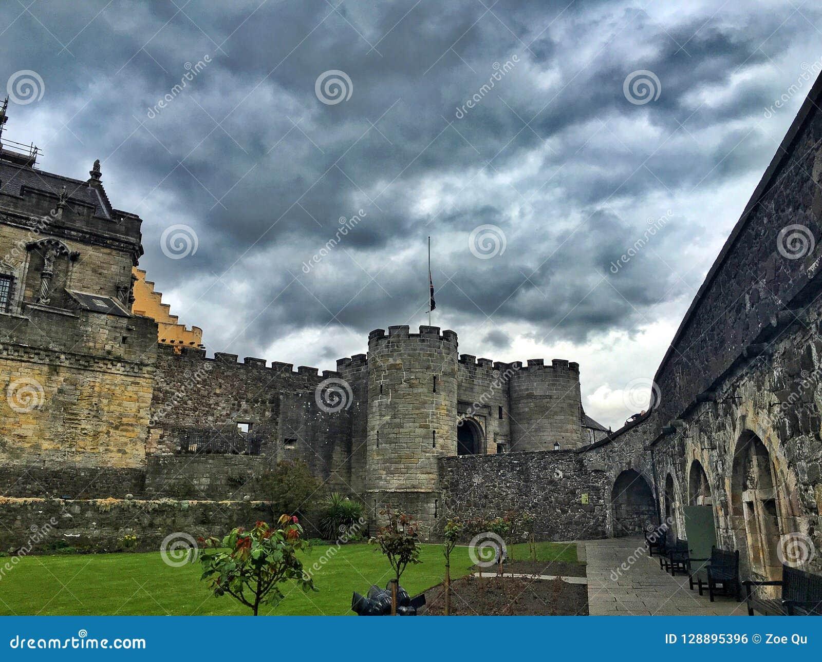 Um dia nebuloso em Stirling Castle, Escócia