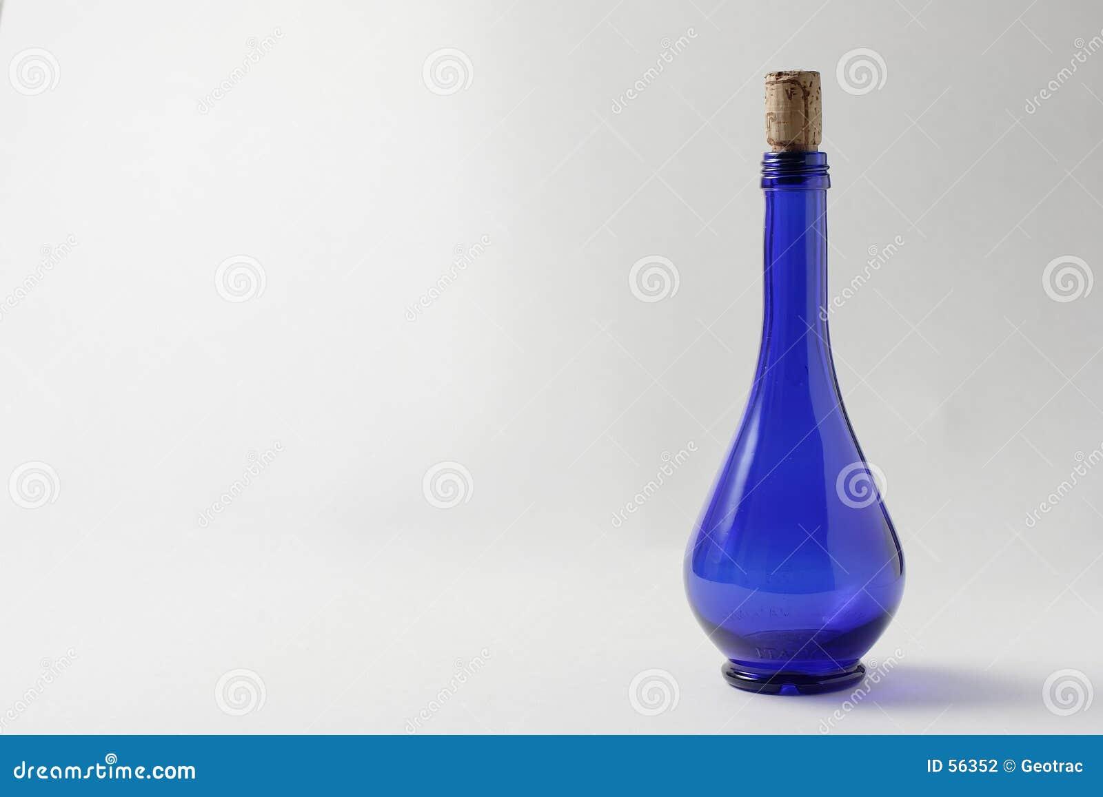 Um frasco azul