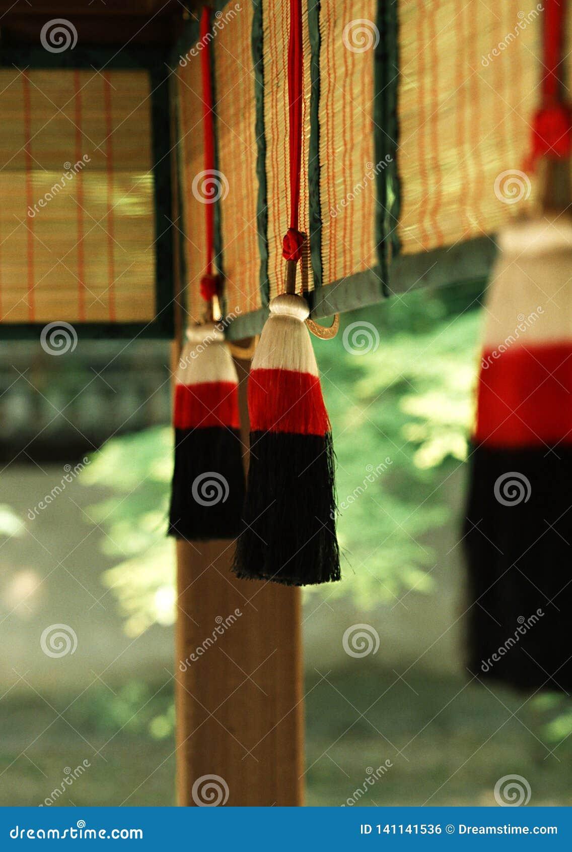 Um fundo decorativo japonês vermelho e preto do artigo
