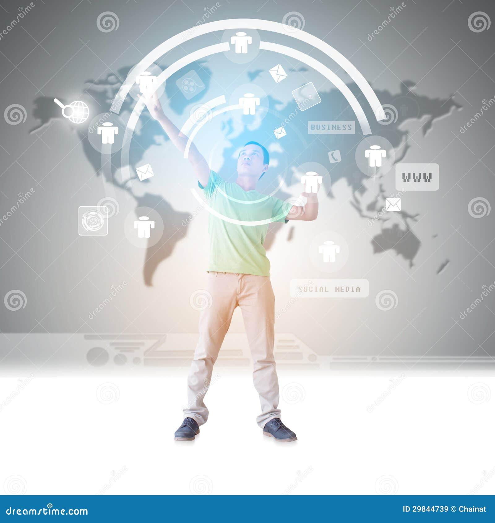 Homem na realidade virtual