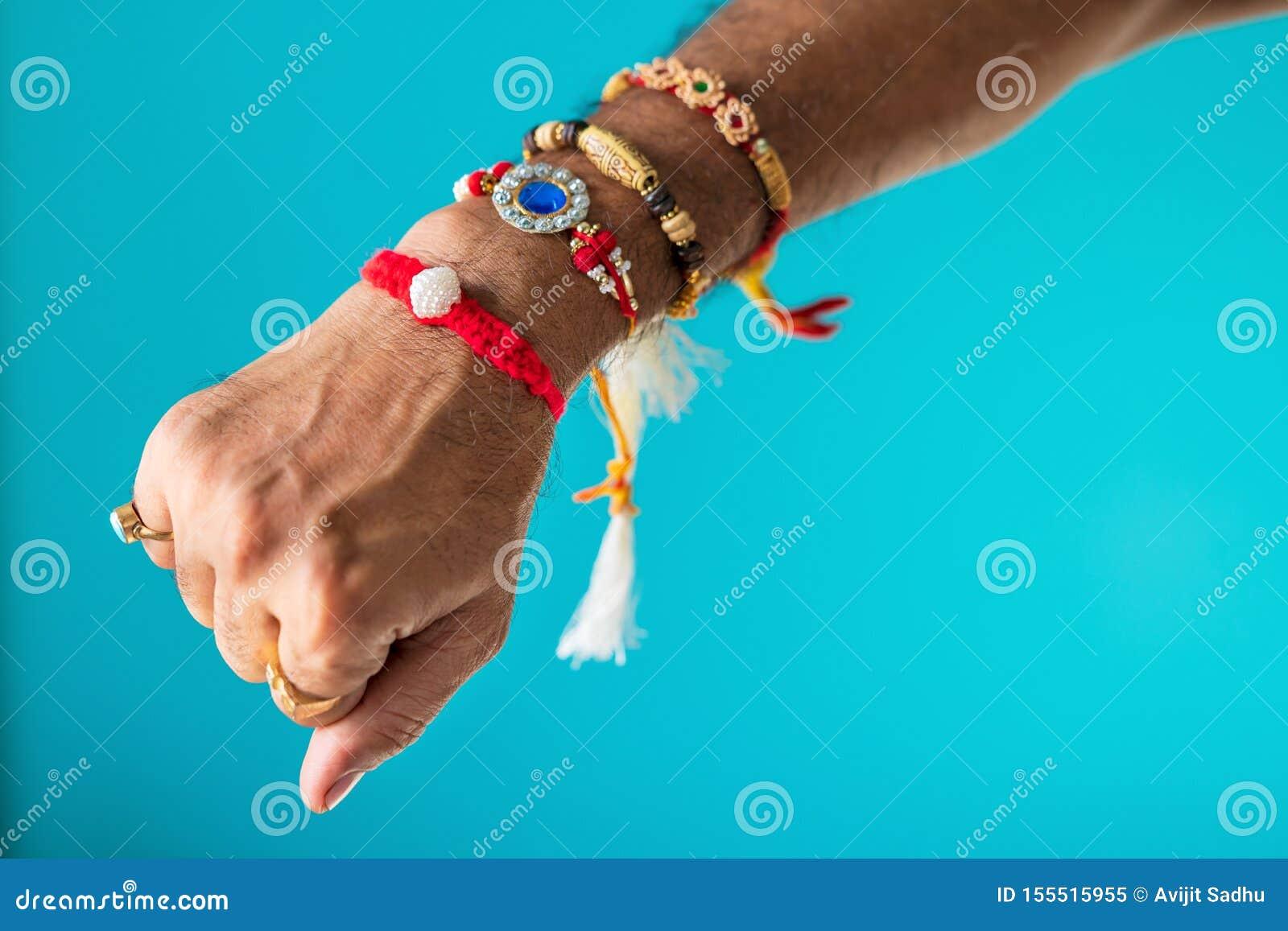 Um irmão Hand Full Of Rakhi