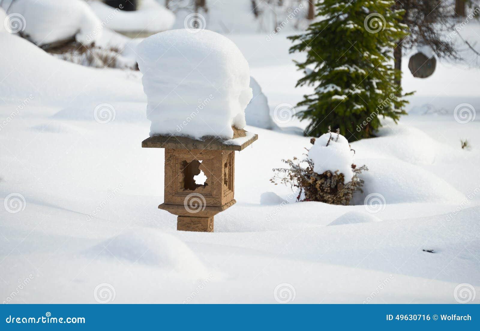 Um jardim japonês no inverno
