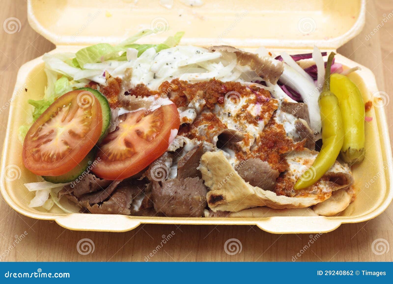 Download Um Kebab Do Doner No Recipiente Do Isopor Foto de Stock - Imagem de verde, preparado: 29240862