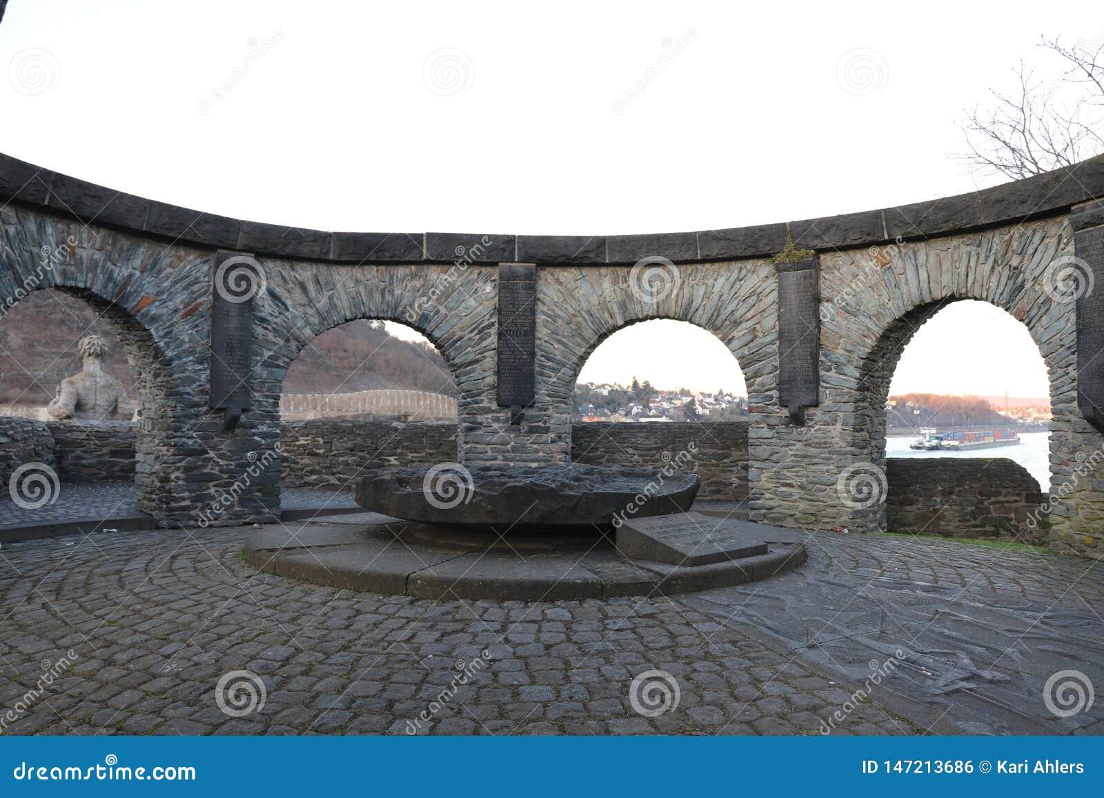 Um memorial em Andernach, Alemanha