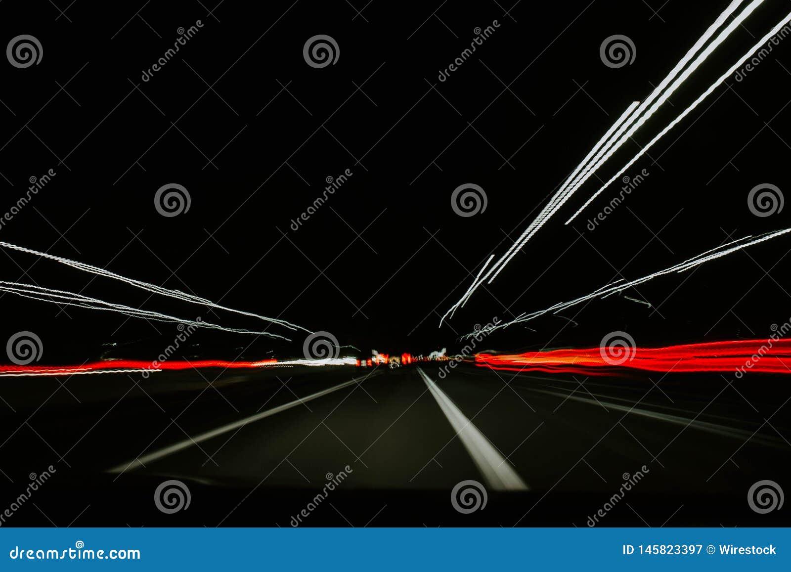 Um movimento muito rápido dos carros em um túnel