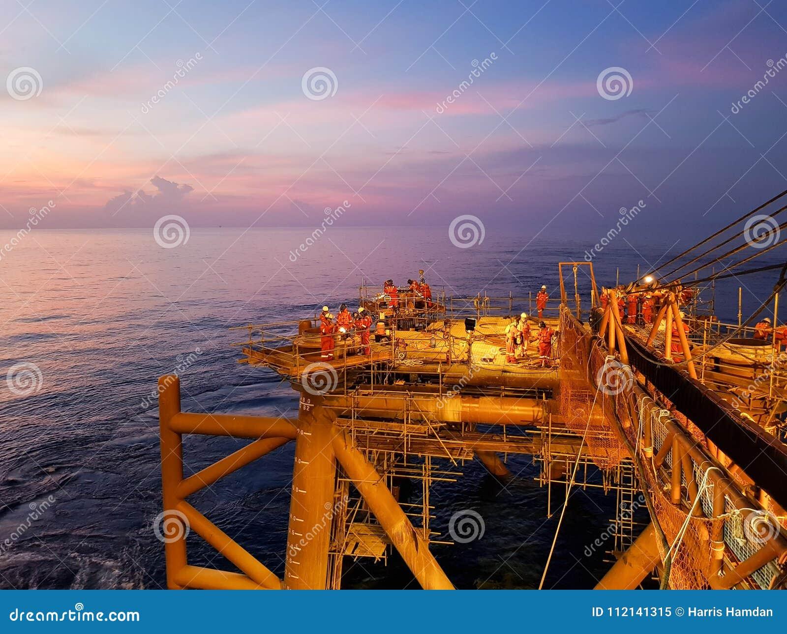 Um outro dia no campo petrolífero