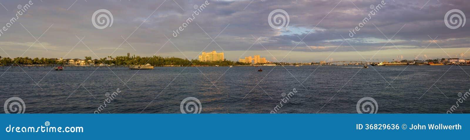 Um panorama de 180 graus de nassau, bahamas