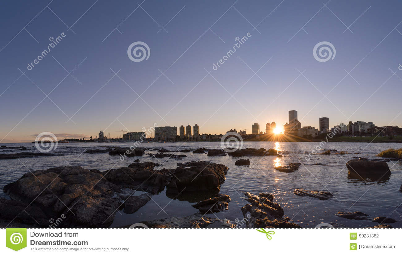 Um por do sol em Montevideo