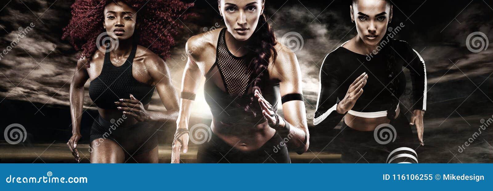 Um velocista forte atlético, das mulheres, correndo no fundo escuro que veste na motivação do sportswear, da aptidão e do esporte