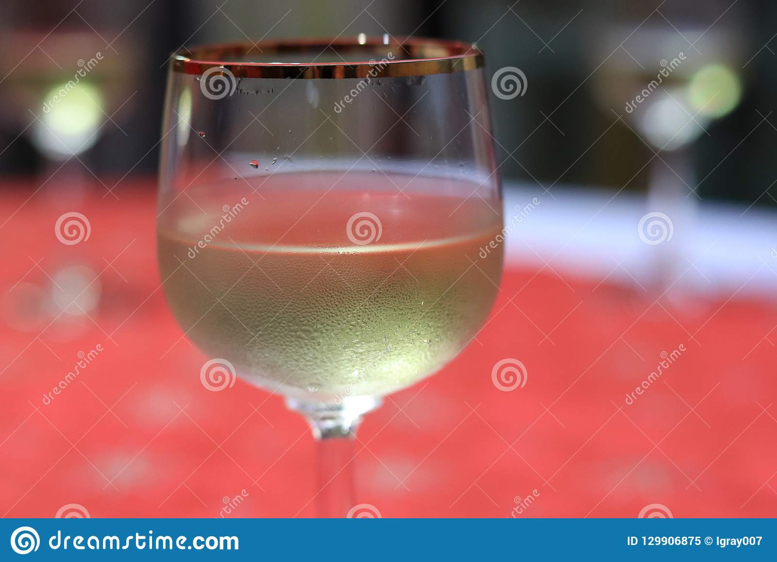 Um vidro do vinho sparkling Champagne Natal