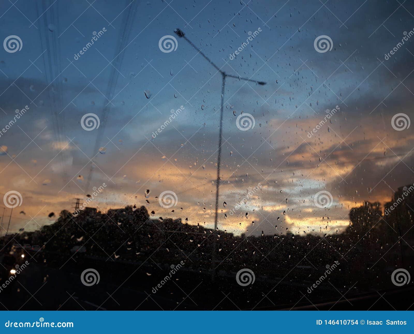 Uma das melhores horas para ver o céu está no alvorecer!