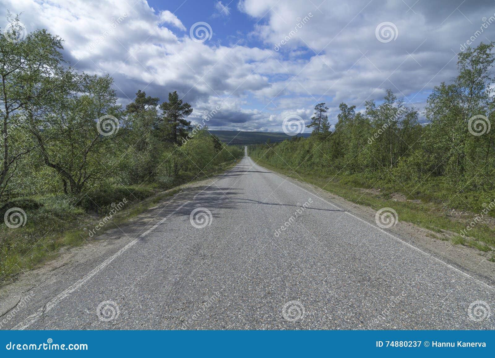 Uma estrada reta