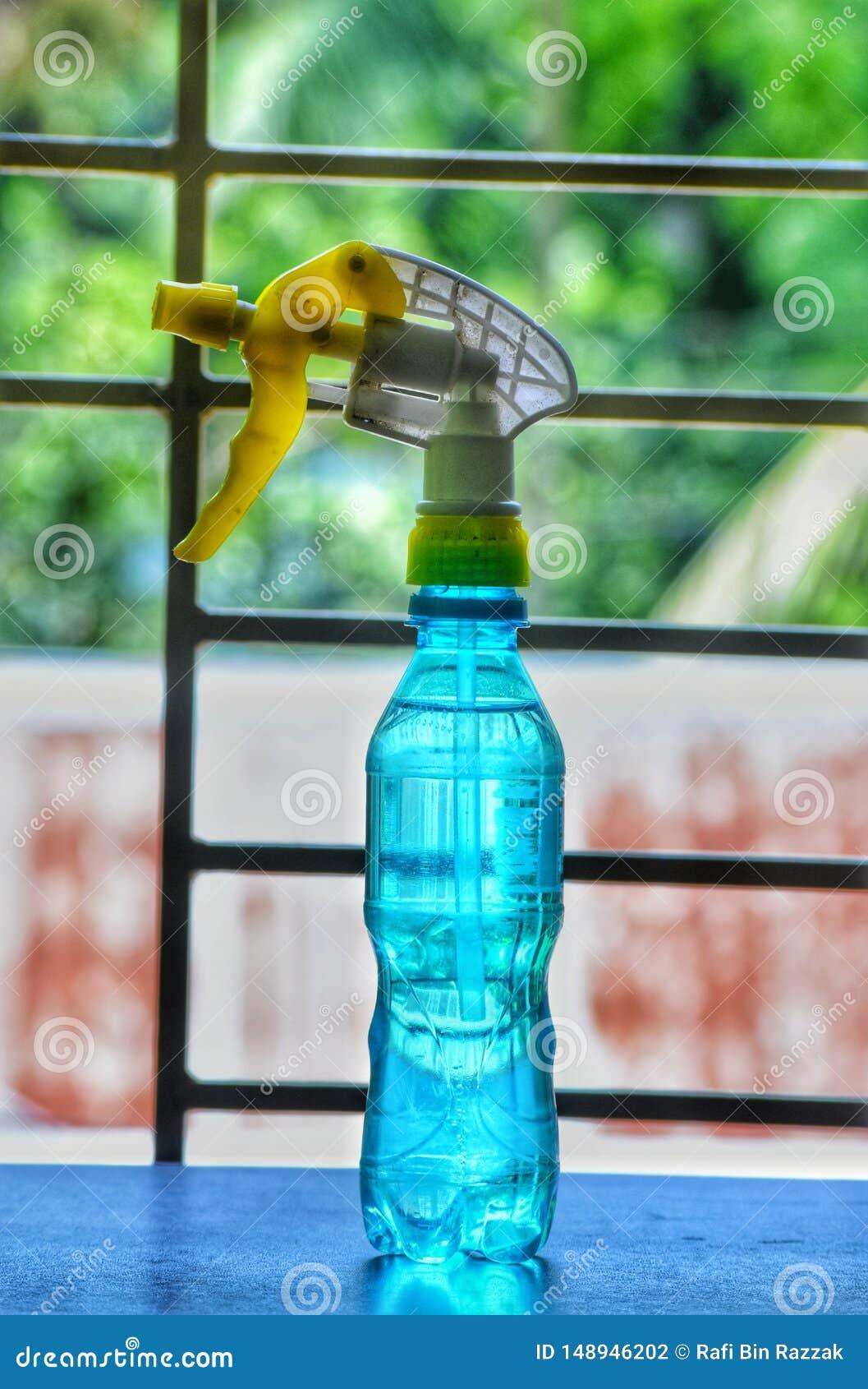 Uma garrafa com rafrescamento