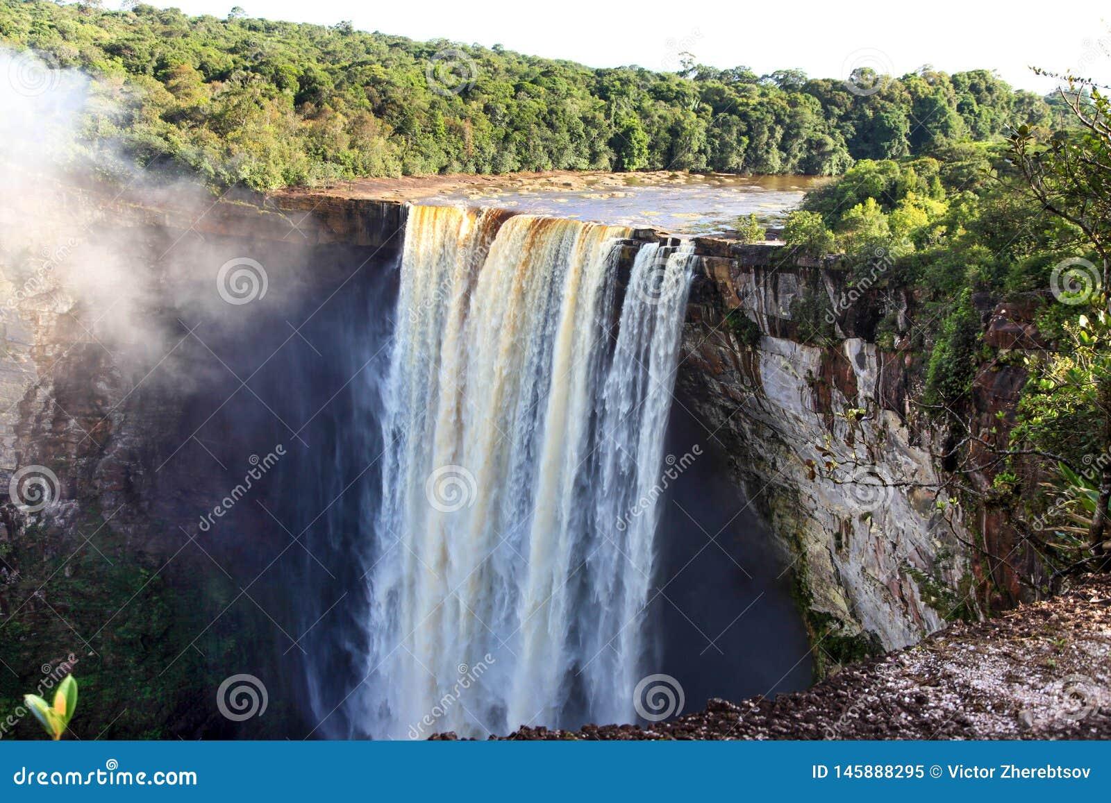Uma ideia das quedas de Kaieteur, Guiana